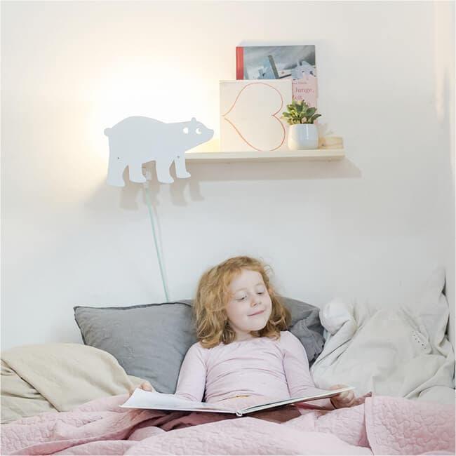 designer wandregal f r das kinderzimmer mit leselampe. Black Bedroom Furniture Sets. Home Design Ideas