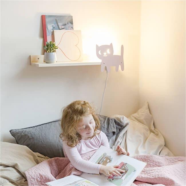designer wandregal f r das kinderzimmer mit leselampe katze julica design. Black Bedroom Furniture Sets. Home Design Ideas