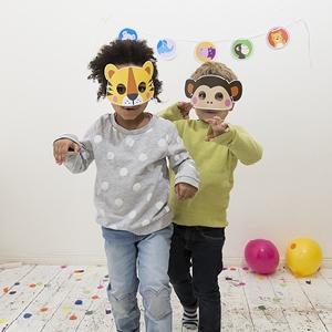 Zum Geburtstag: Einladungskarten, Tiermasken, Girlanden